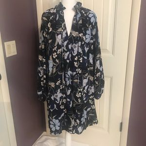 H&M dress with ruffled collar, excellent condition